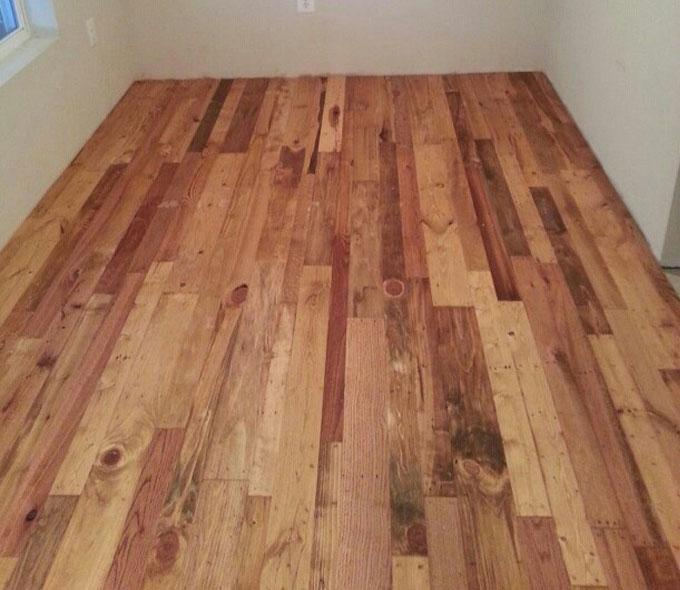 Suelo de parquet con madera de pal decoraci n - Tipos de suelos de madera ...