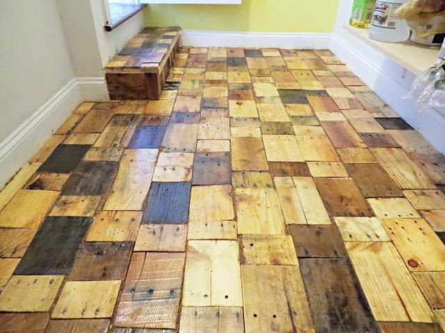 suelo-trozos-madera